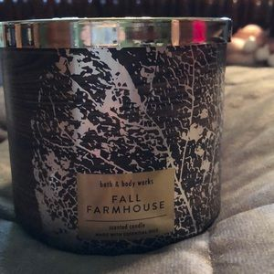 Bath and Body Works 3 Wick Candle (Fall Farmhouse)